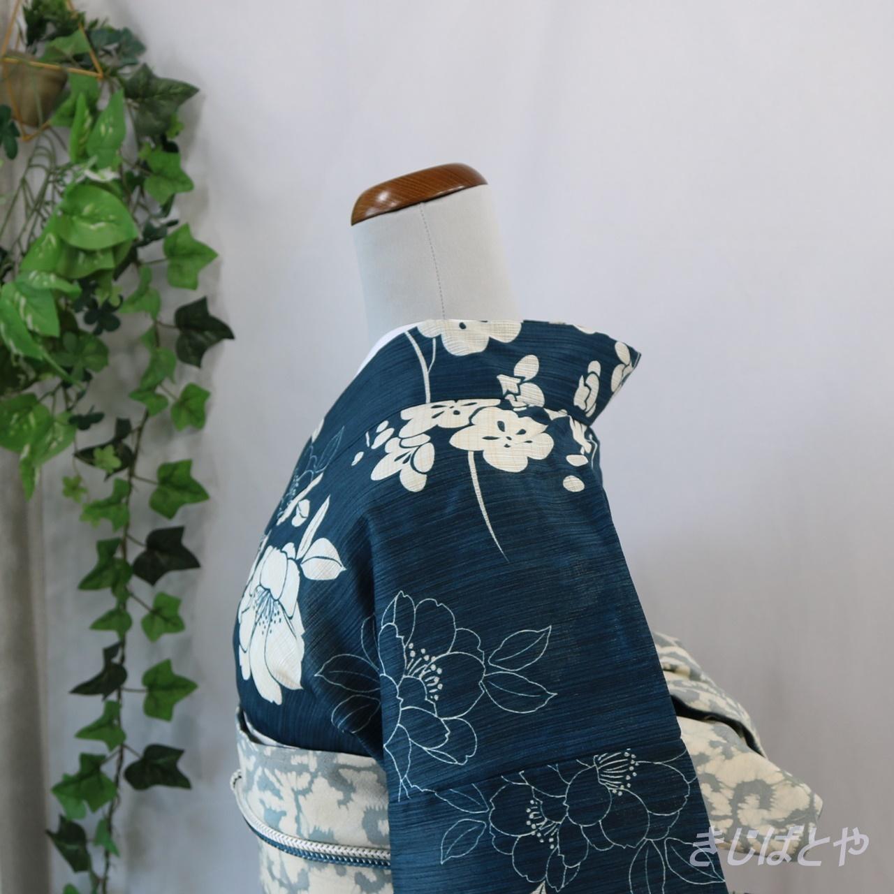 綿麻 藍に花の浴衣