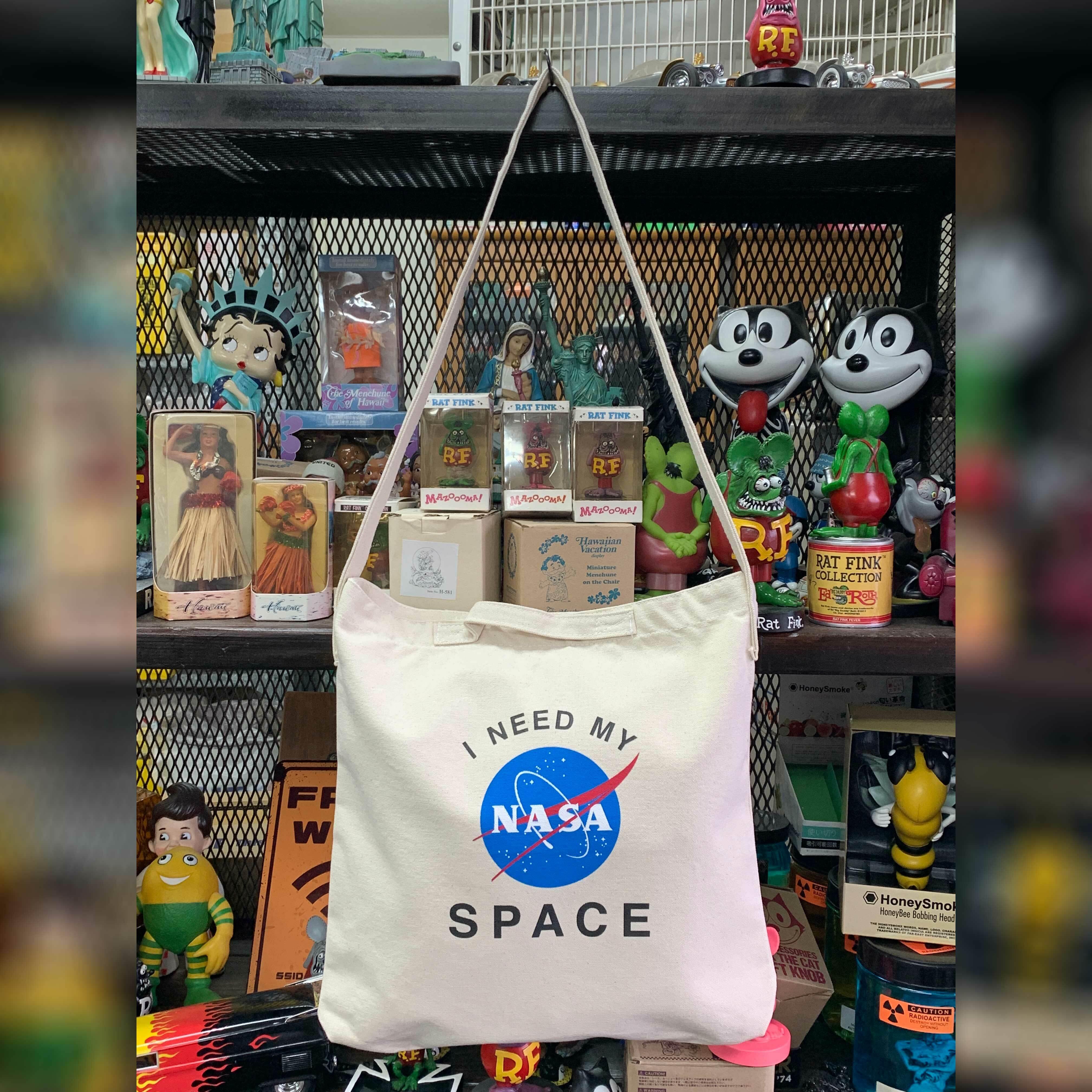 NASA公認(アメリカ航空宇宙局)・2ウェイ・ショルダーバッグ・インサイニア(ミートボール)