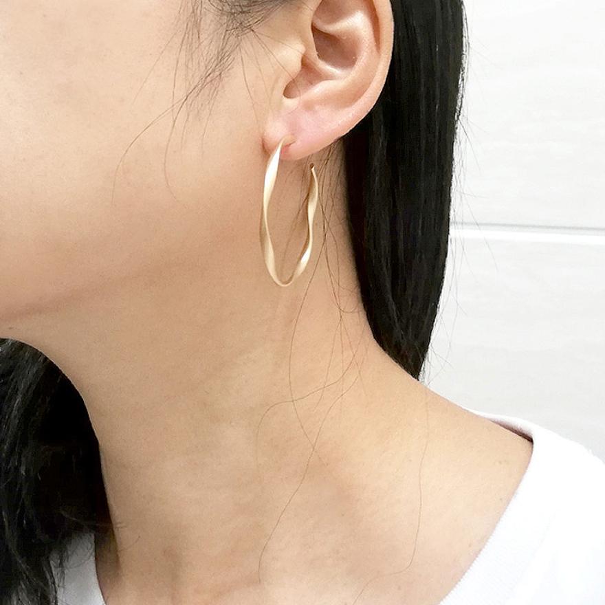 「order」twist hoop pierce gold/silver p153