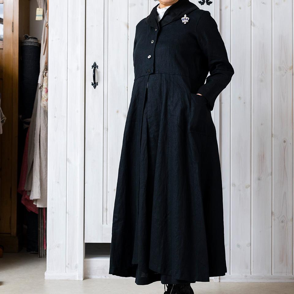 ふんわり襟の上質リネンコート
