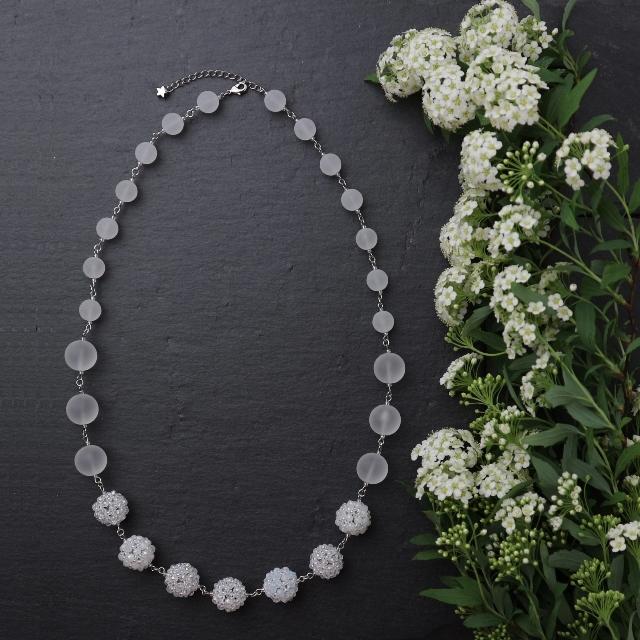 白い花珠ネックレス