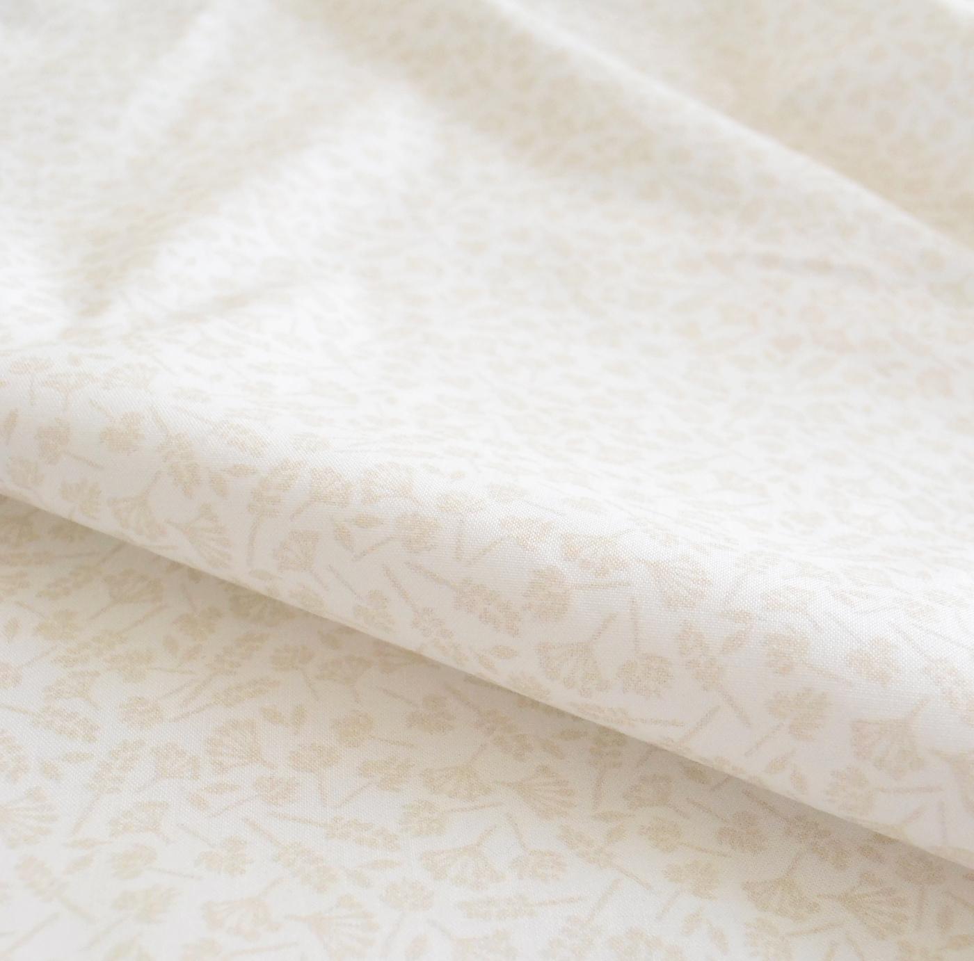 < wildflowers vanilla > コットン生地 48cm x 52cm