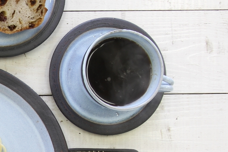 黒縁カップ&ソーサー(水色)