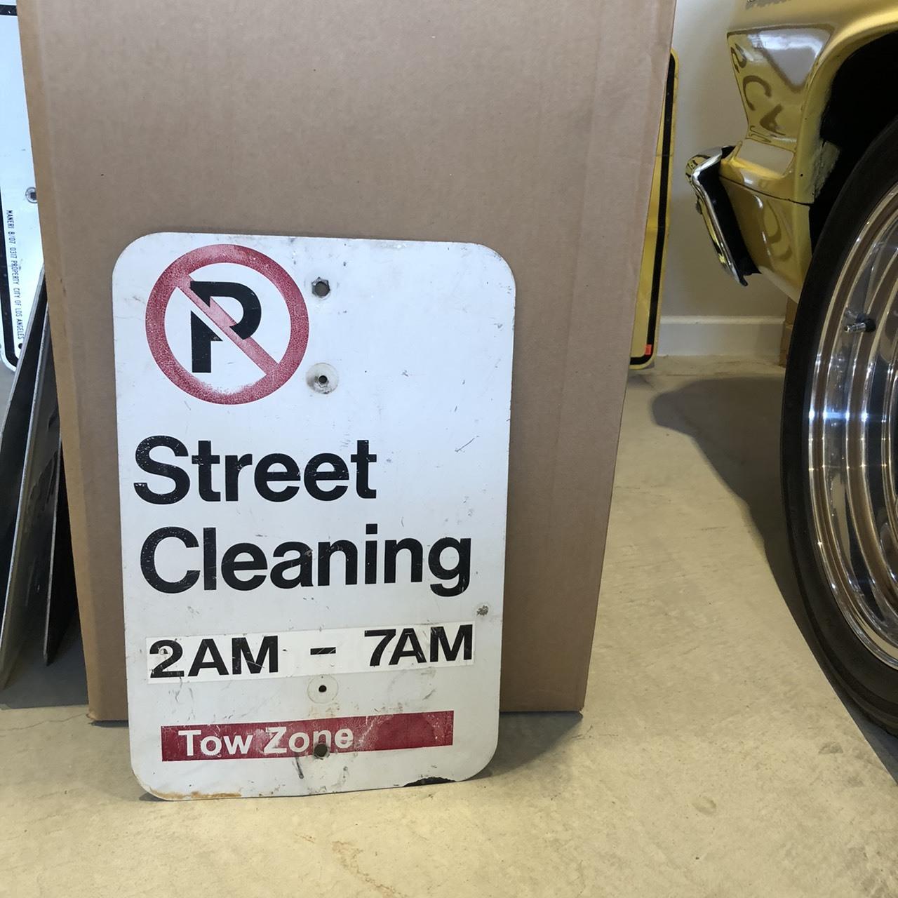 Street Cleaning アメリカンロードサイン トラフィックサイン 道路標識
