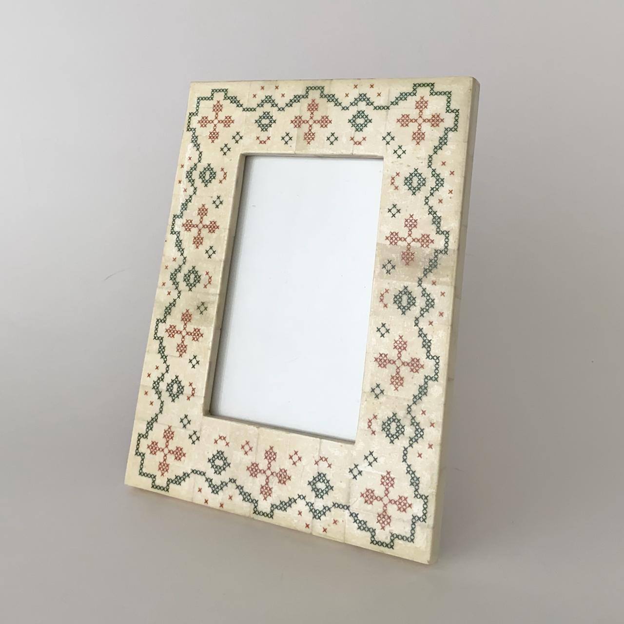 刺繍模様のフォトフレーム クロスステッチ柄(21.5cm) Embroidery Design Photo Frame Cross Stitch