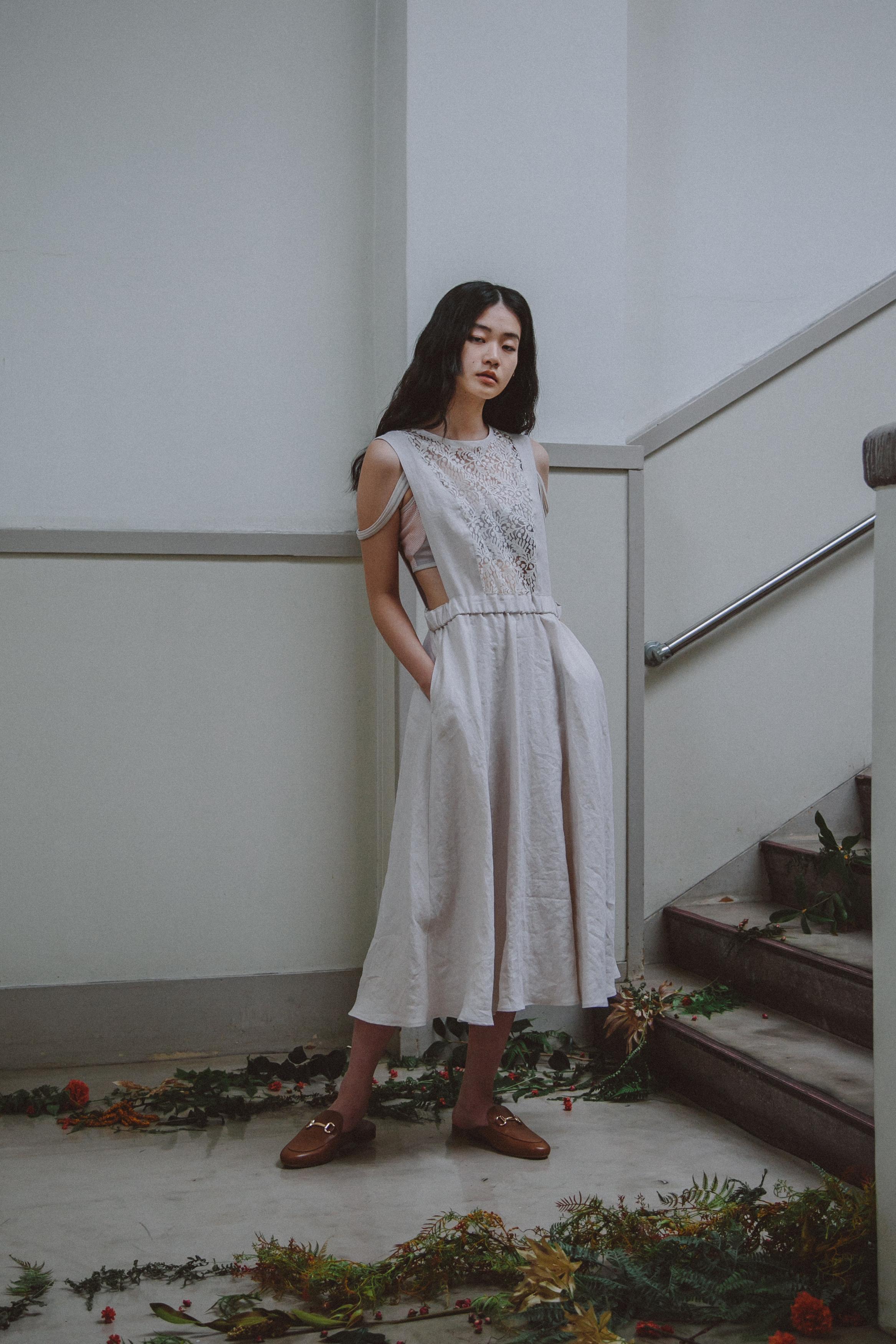 YUKI SHIMANE linen apron dress