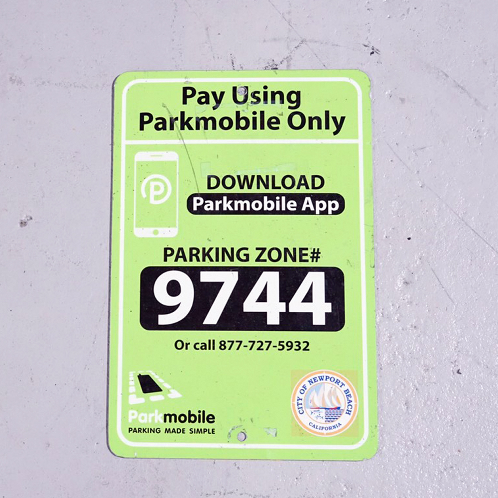 NEW PORT BEACH! PARKING ZONE 9744 アメリカンロードサイン 道路標識