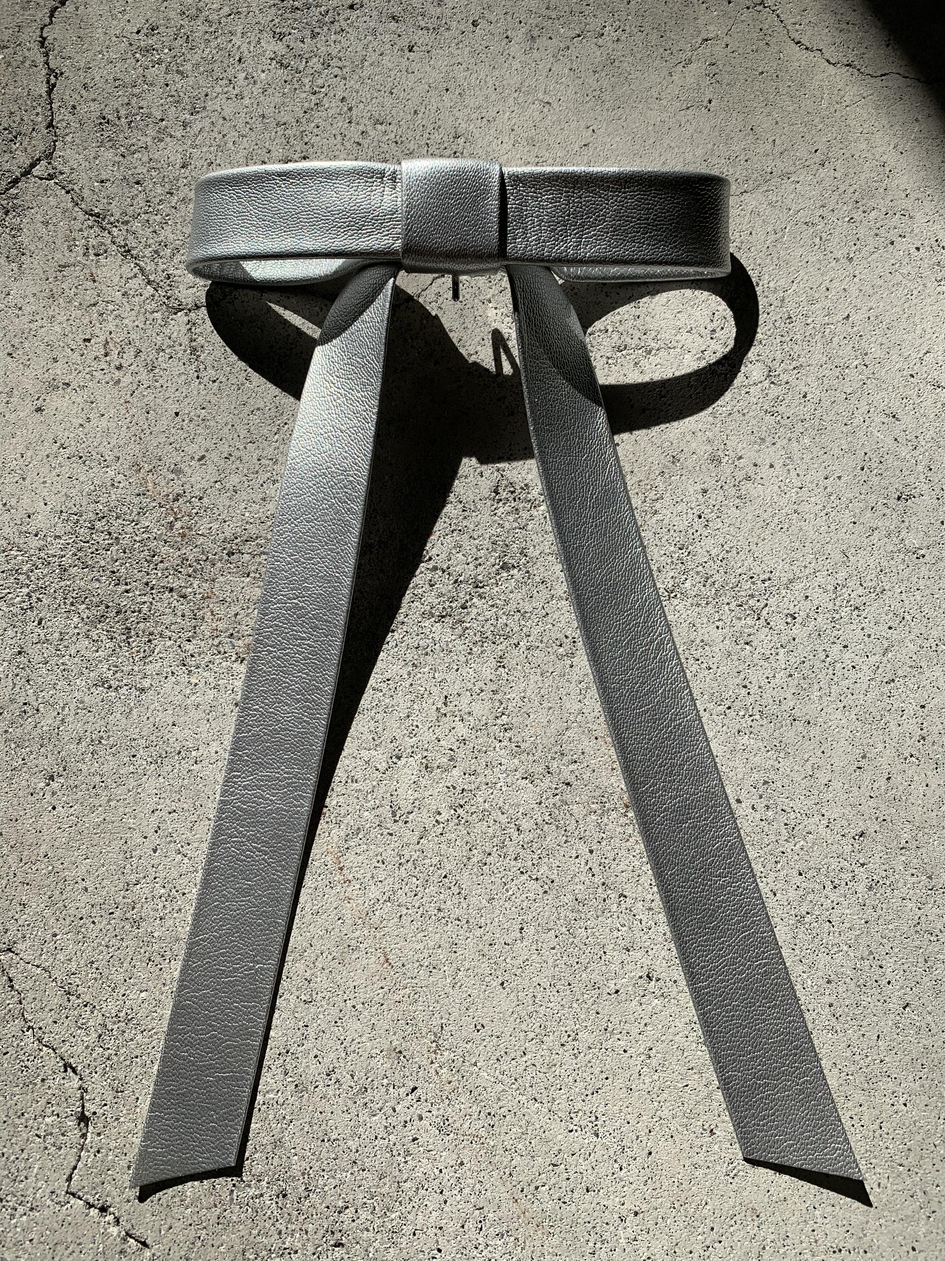FUMIE=TANAKA long ribbon hook (SILVER)