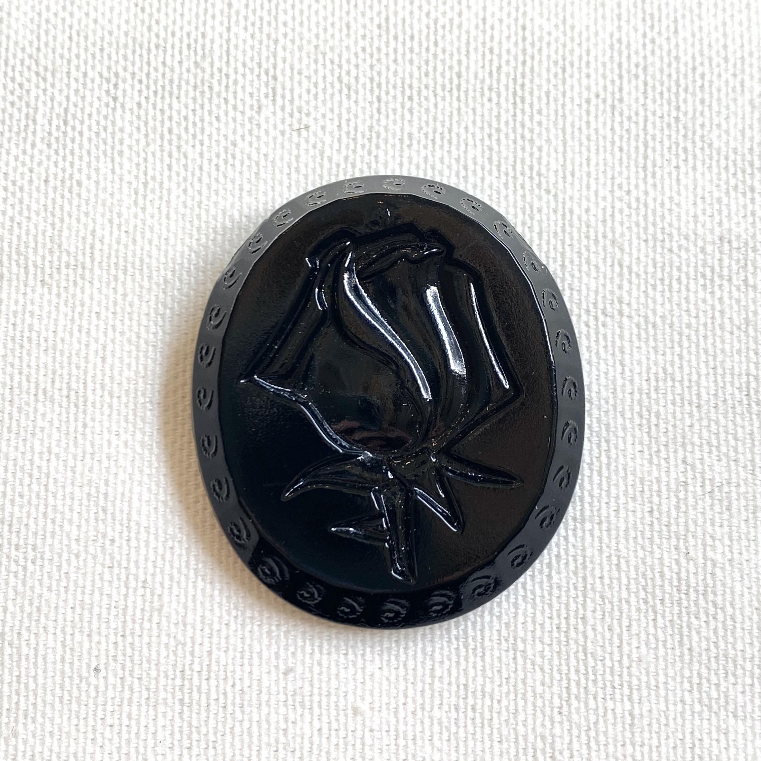 チェコ黒ガラスボタン (ローズ)