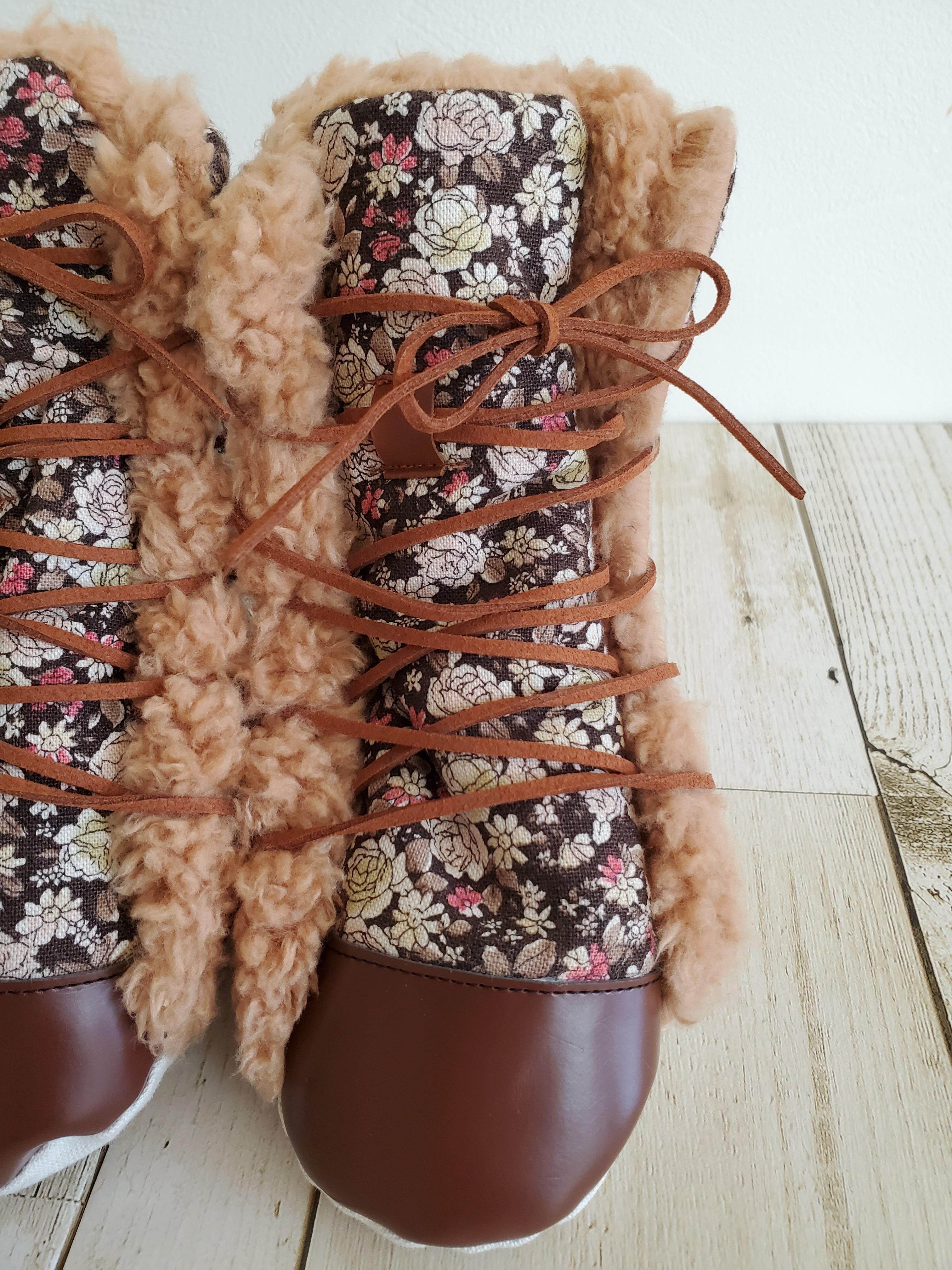 ***在庫あり*** 編み上げブーツ 花柄 12cm