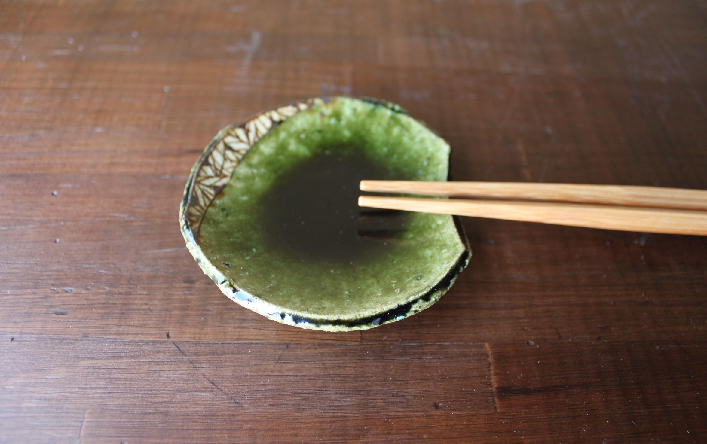 織部鉄絵豆皿(箸置)