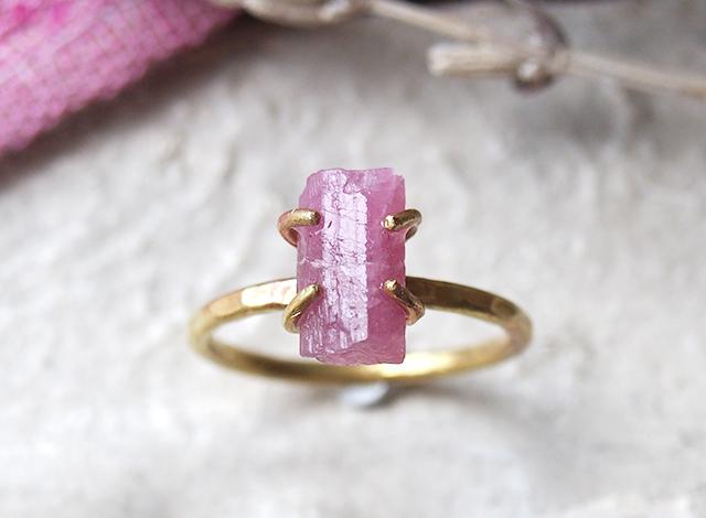 [一点物]原石のピンクトルマリンのリング