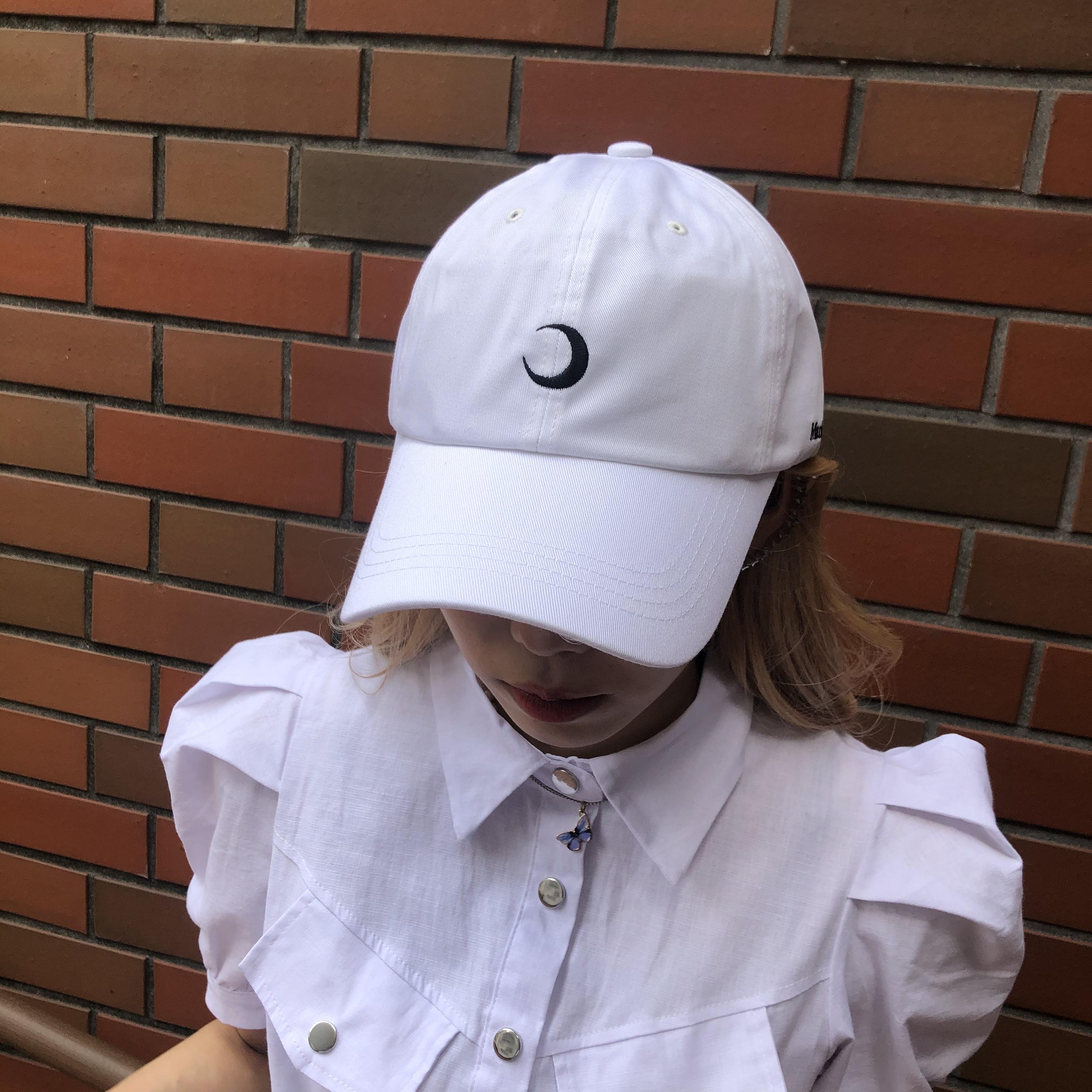 NANA * moon cap