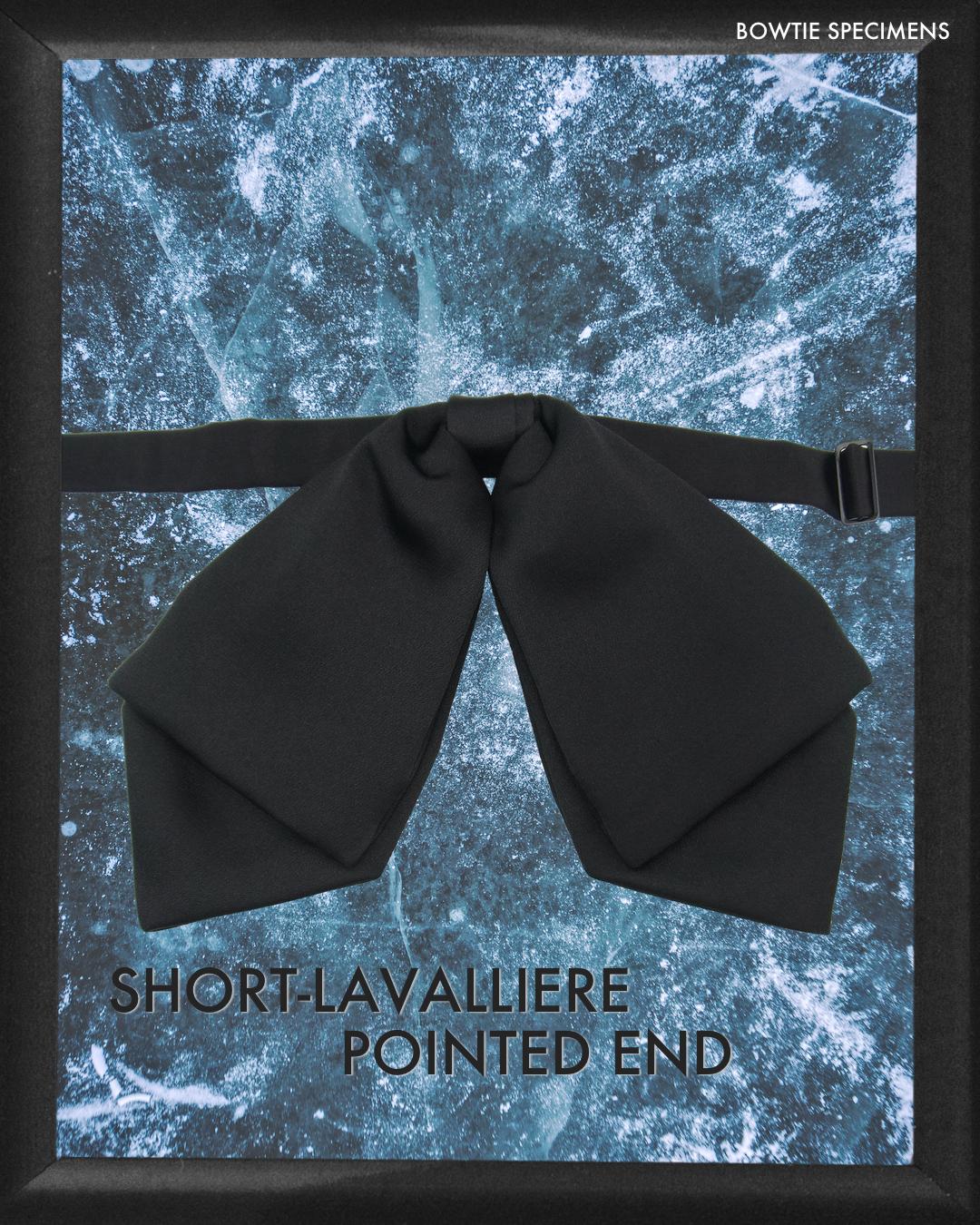 復刻版 ショートラバリエール・ポインテッドエンド (ブラックサテン/ソリッド) 作り結び型〈蝶ネクタイ デザイン 黒 リボン ラバリエ ラヴァリエ〉