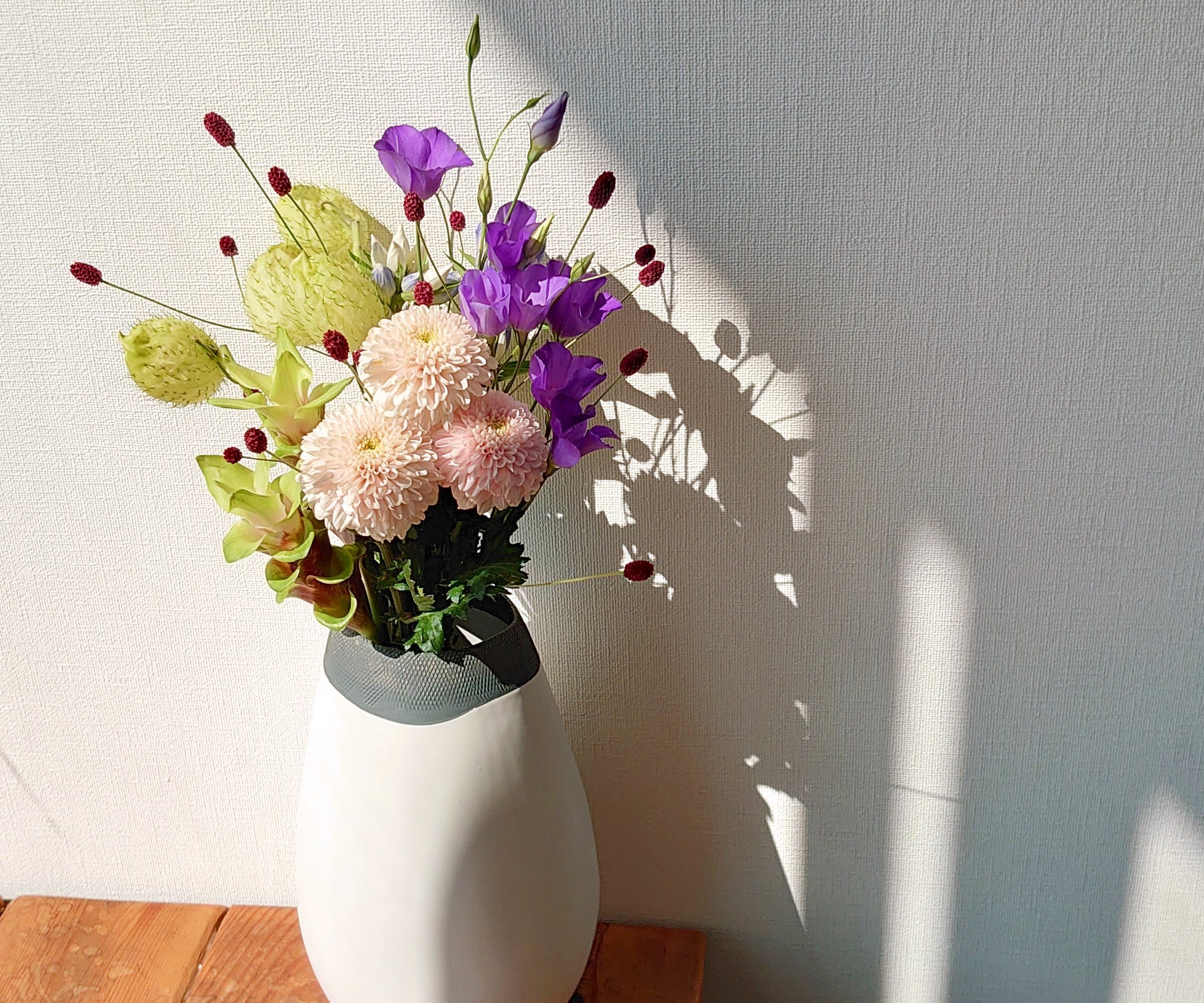 9月9日は『重陽の節句』長寿を願って 菊を飾ろう。 花瓶用ブーケNO,1