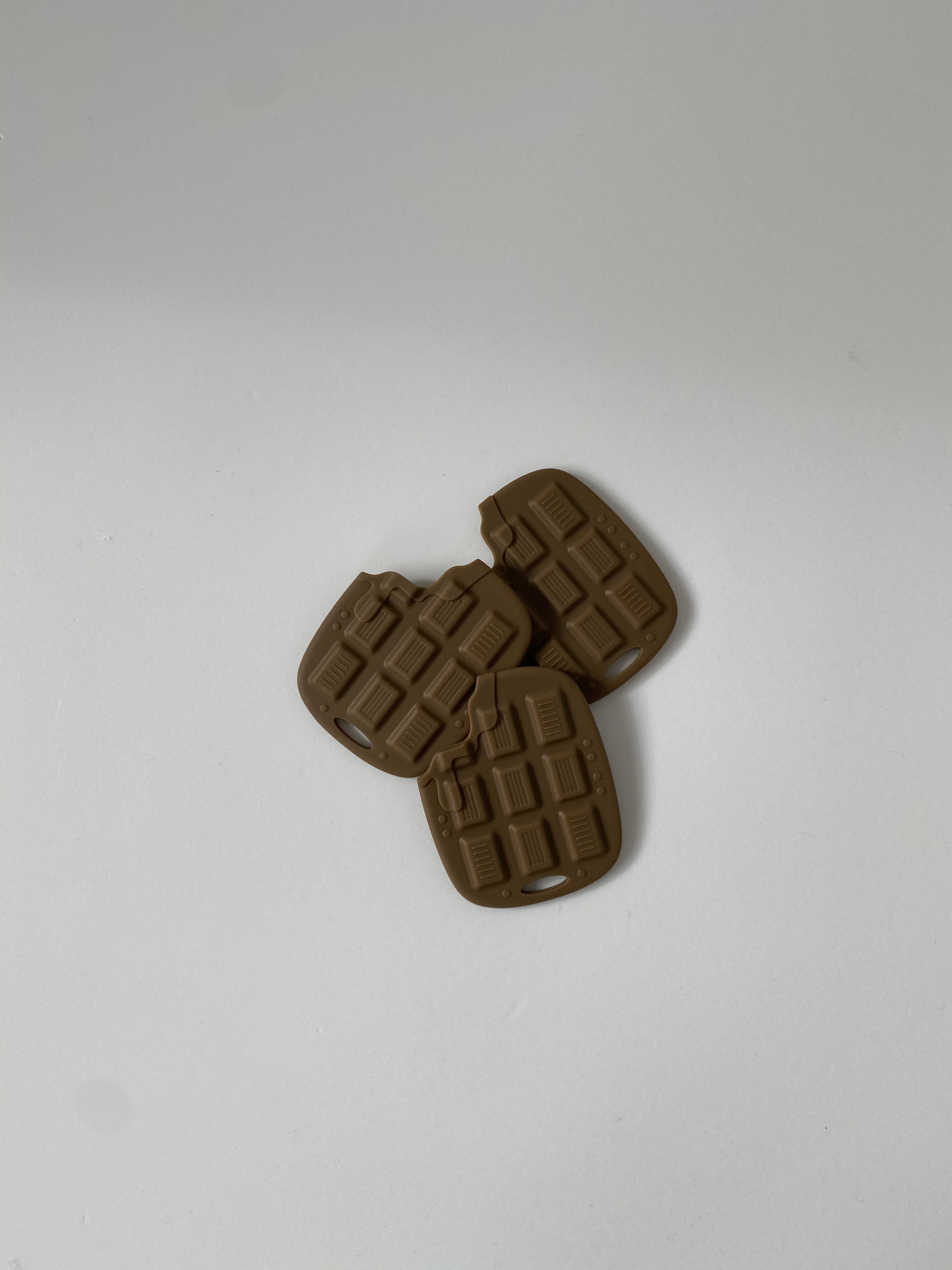 chocolate silicon tether (歯固め)
