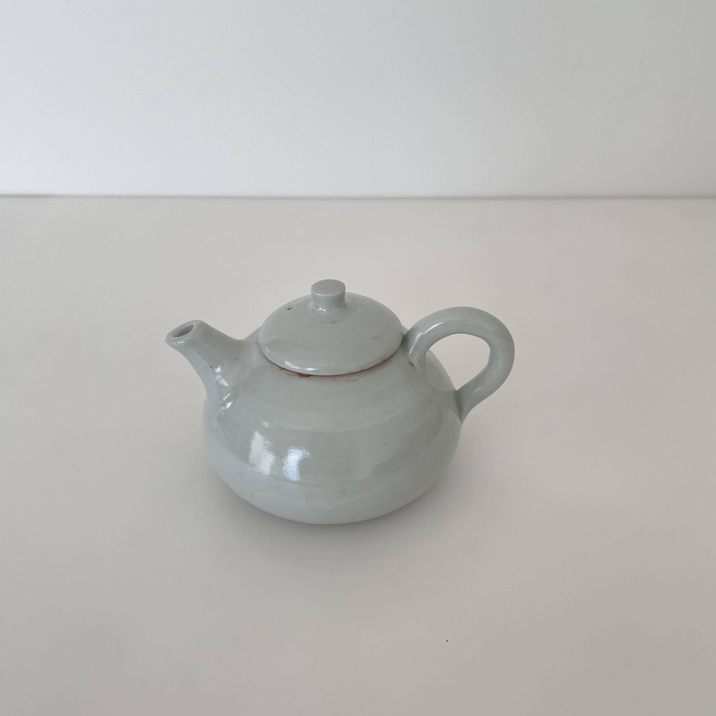 清水善行   白磁  茶壺