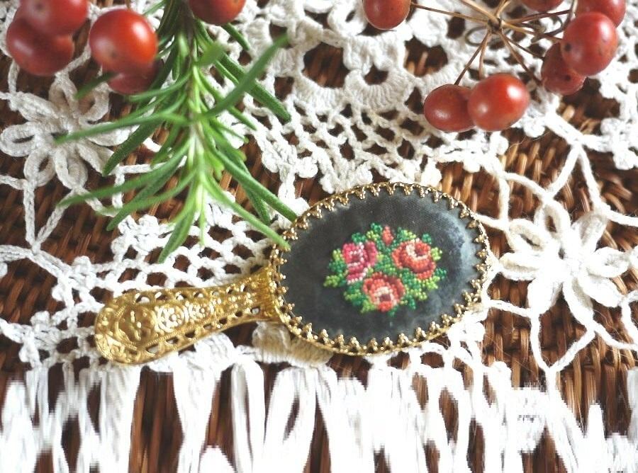 薔薇のプチポワン ミニ手鏡 刺繍のハンドミラー