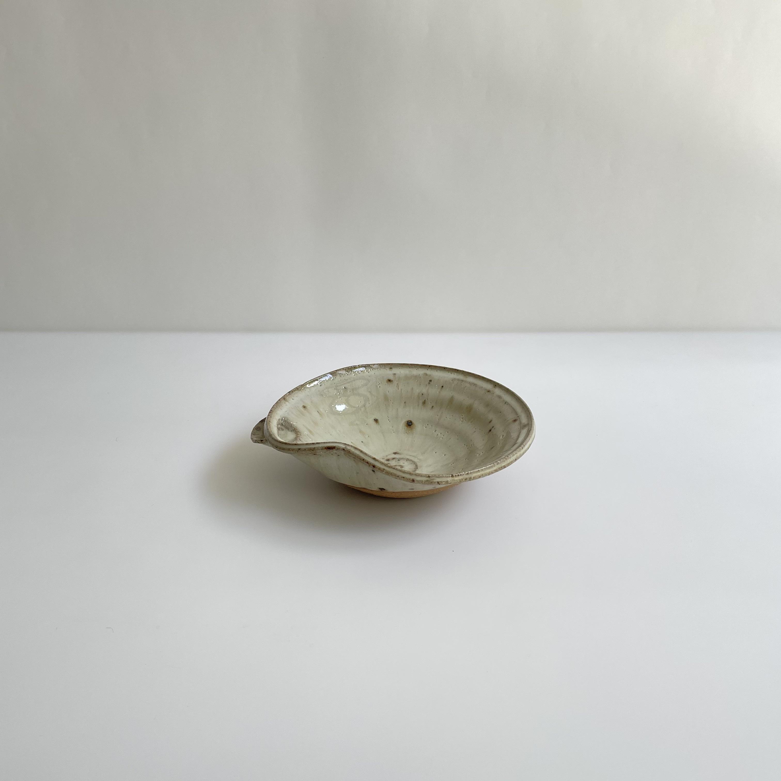 塩鶴るりこ     斑唐津 片口鉢