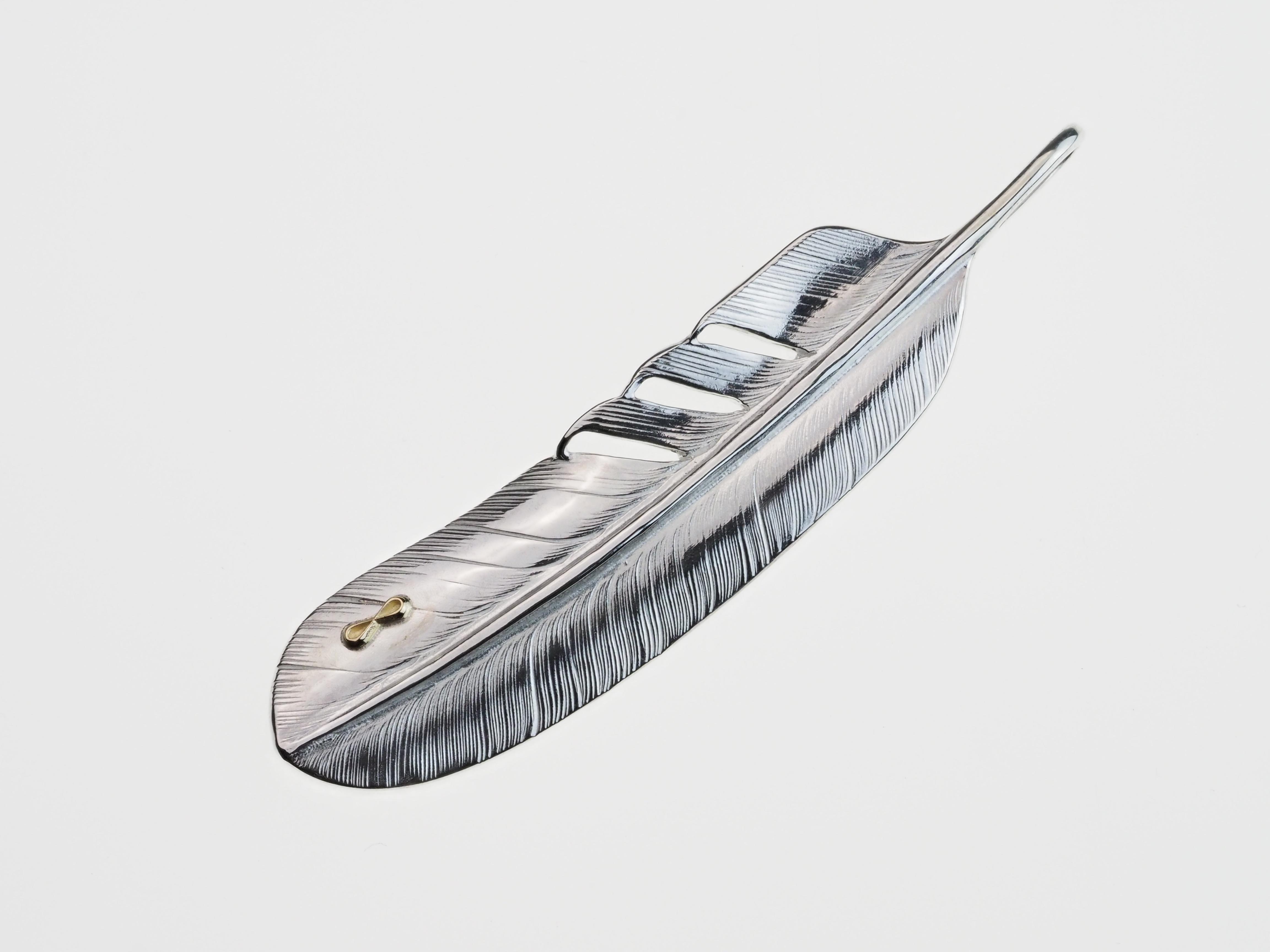 P-071  feather L (L)+ K18rogo