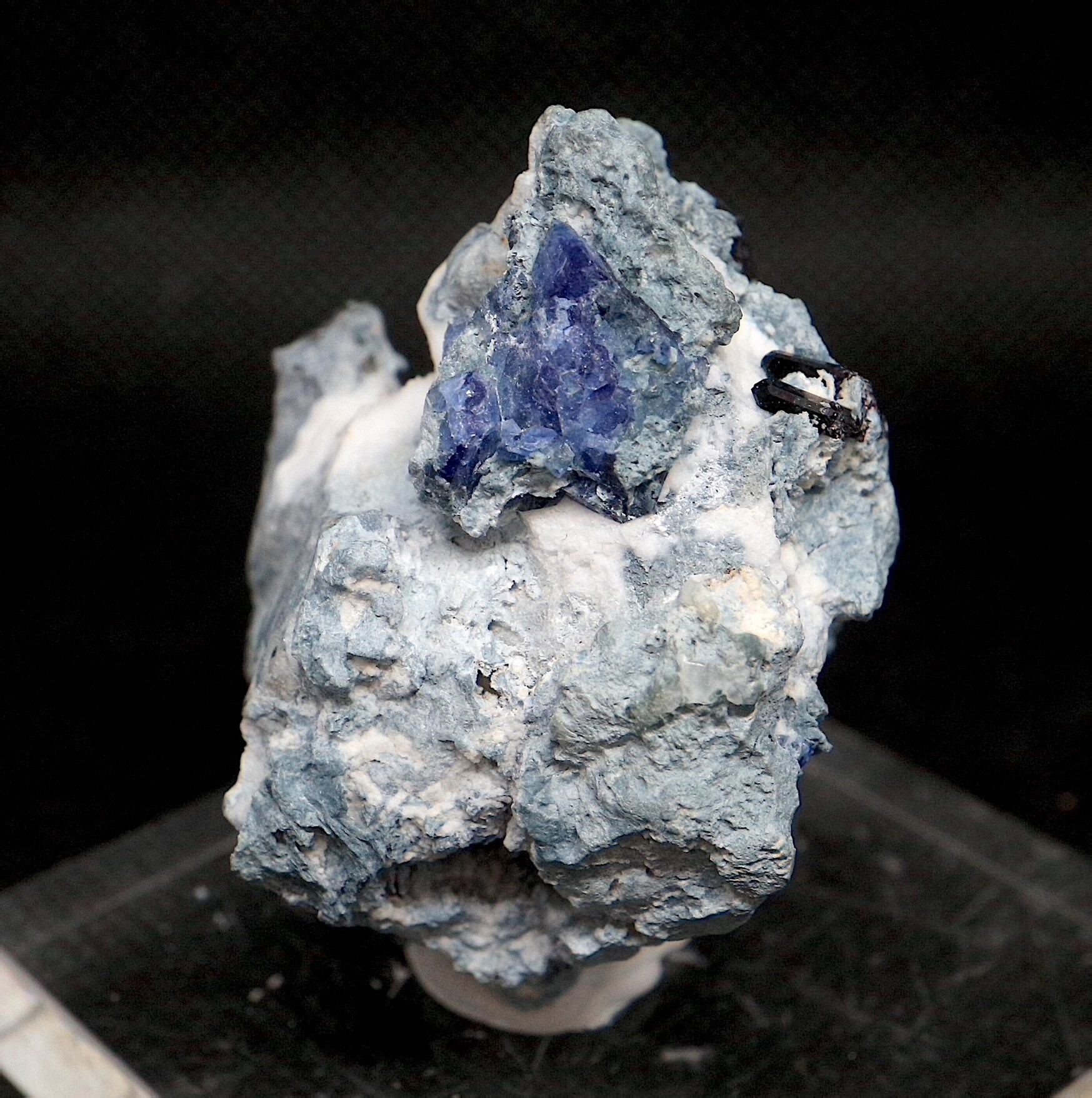 ベニトアイト ネプチュナイト ベニト石  海王石 カリフォルニア産 37,3g BN094 鉱物 天然石 パワーストーン