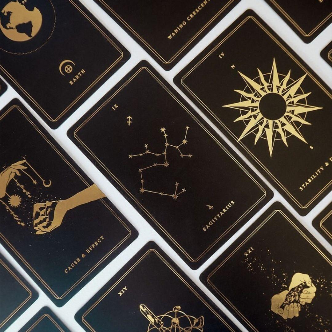 オラクルカードUniverse Oracle Deck & Book 占星術、タロット、干支、月、ルナ、惑星、星