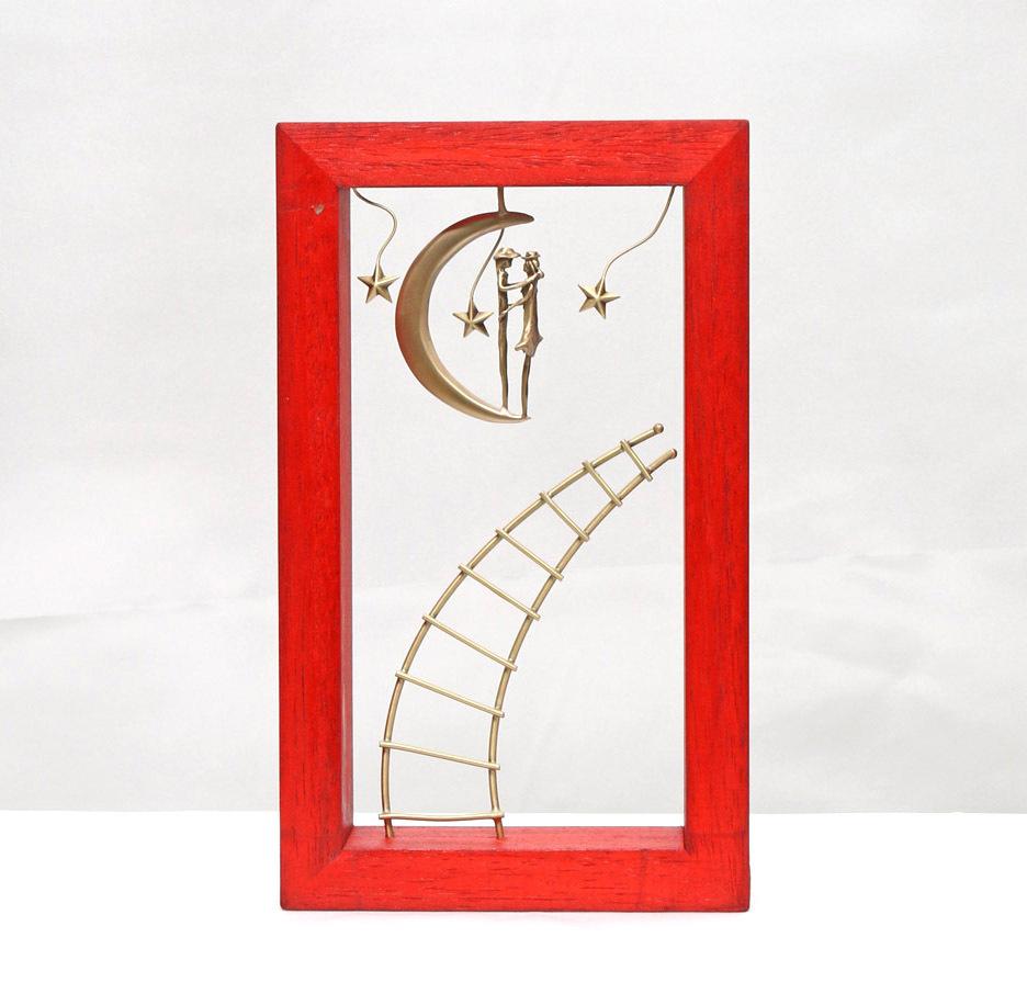 ウッド&フレーム(W21) 「月の上の男女と空に伸びるはしご」 25X15X4 cm
