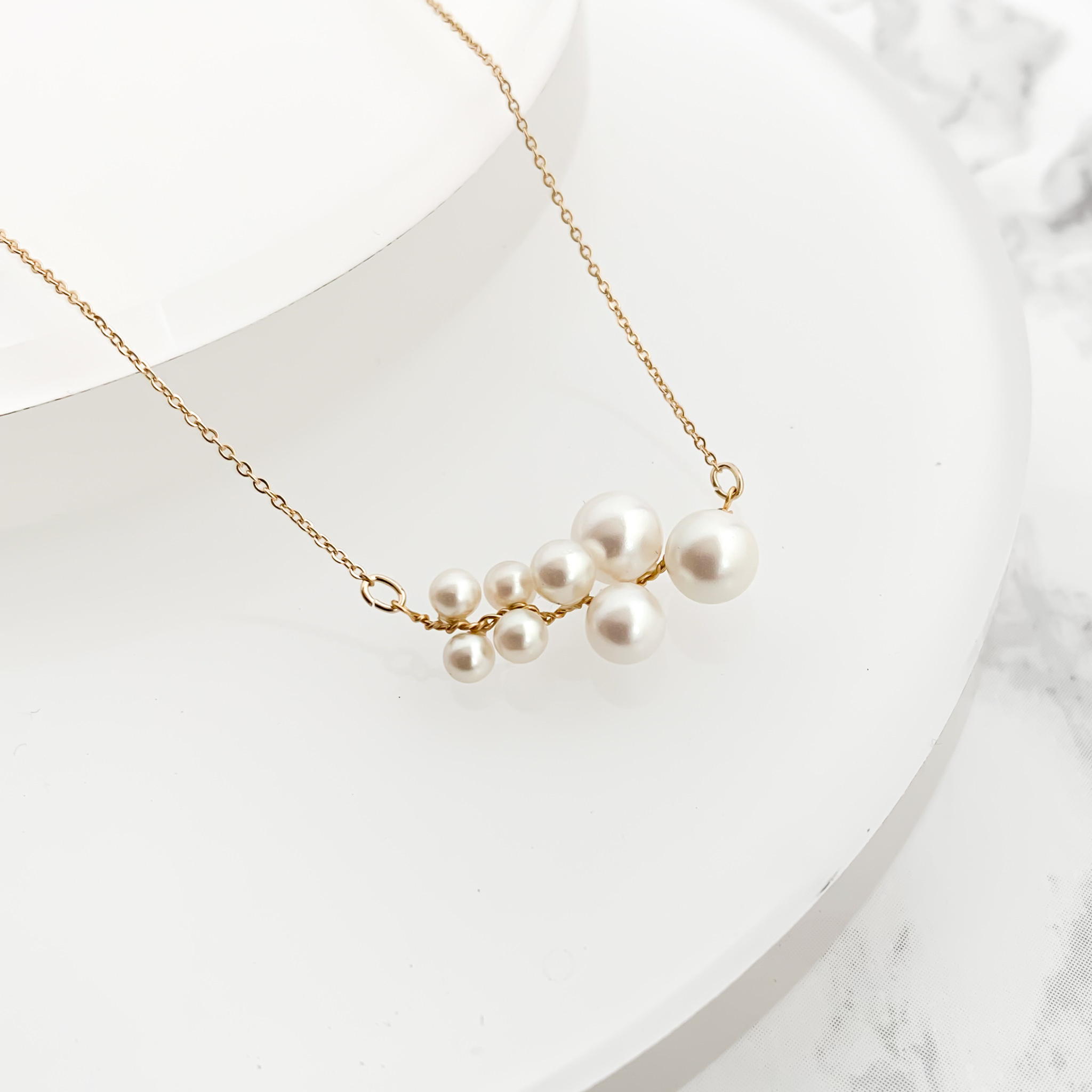 Wire Pearl Necklace