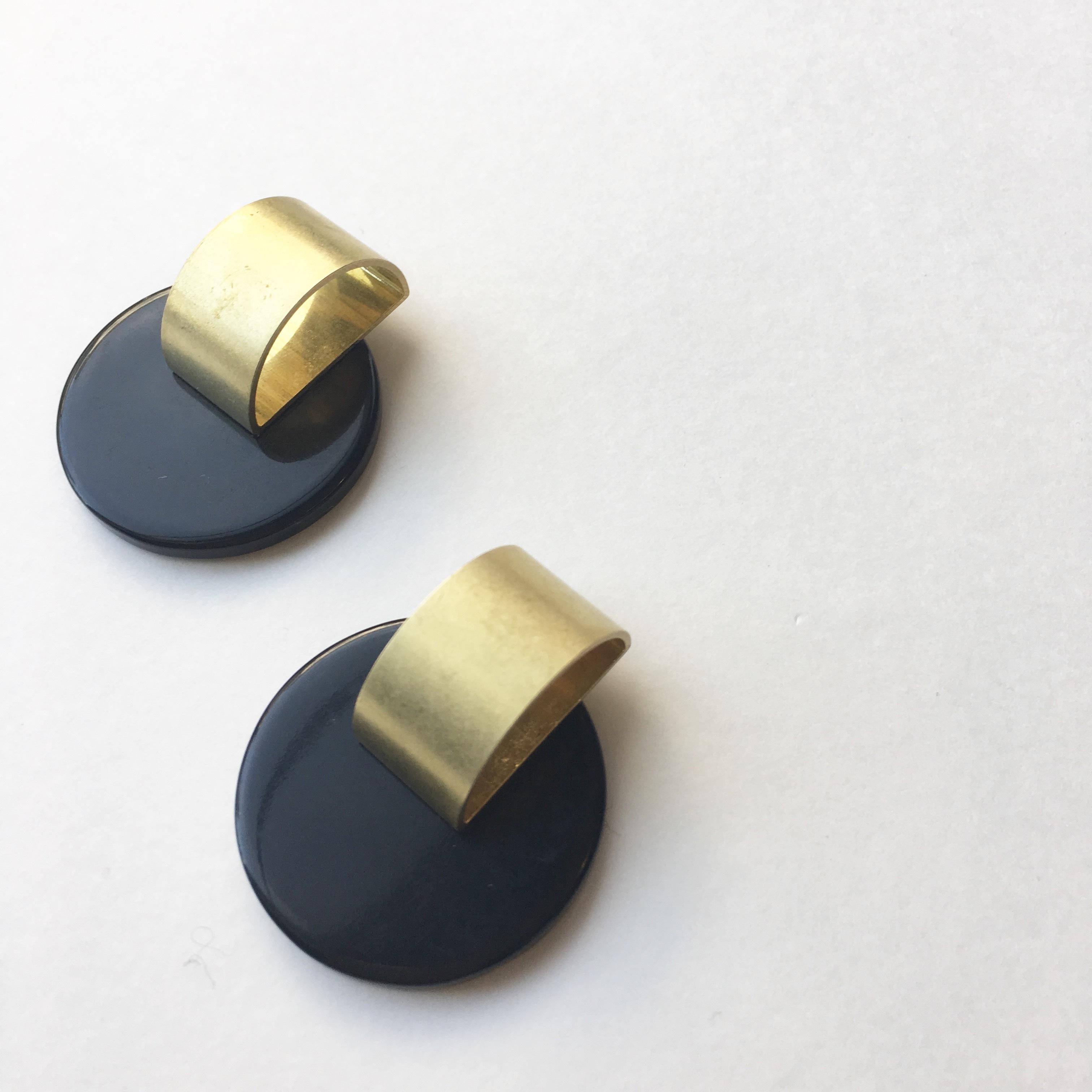 Moon plate earrings L-020