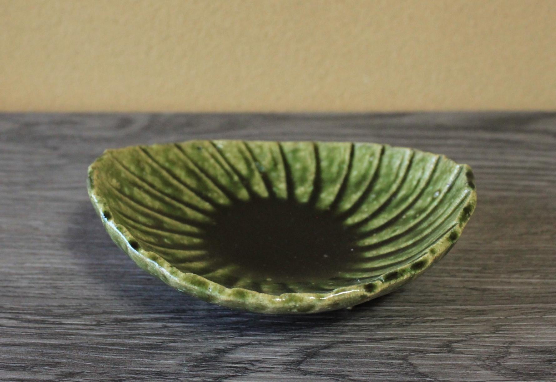 織部うずまき楕円足付鉢
