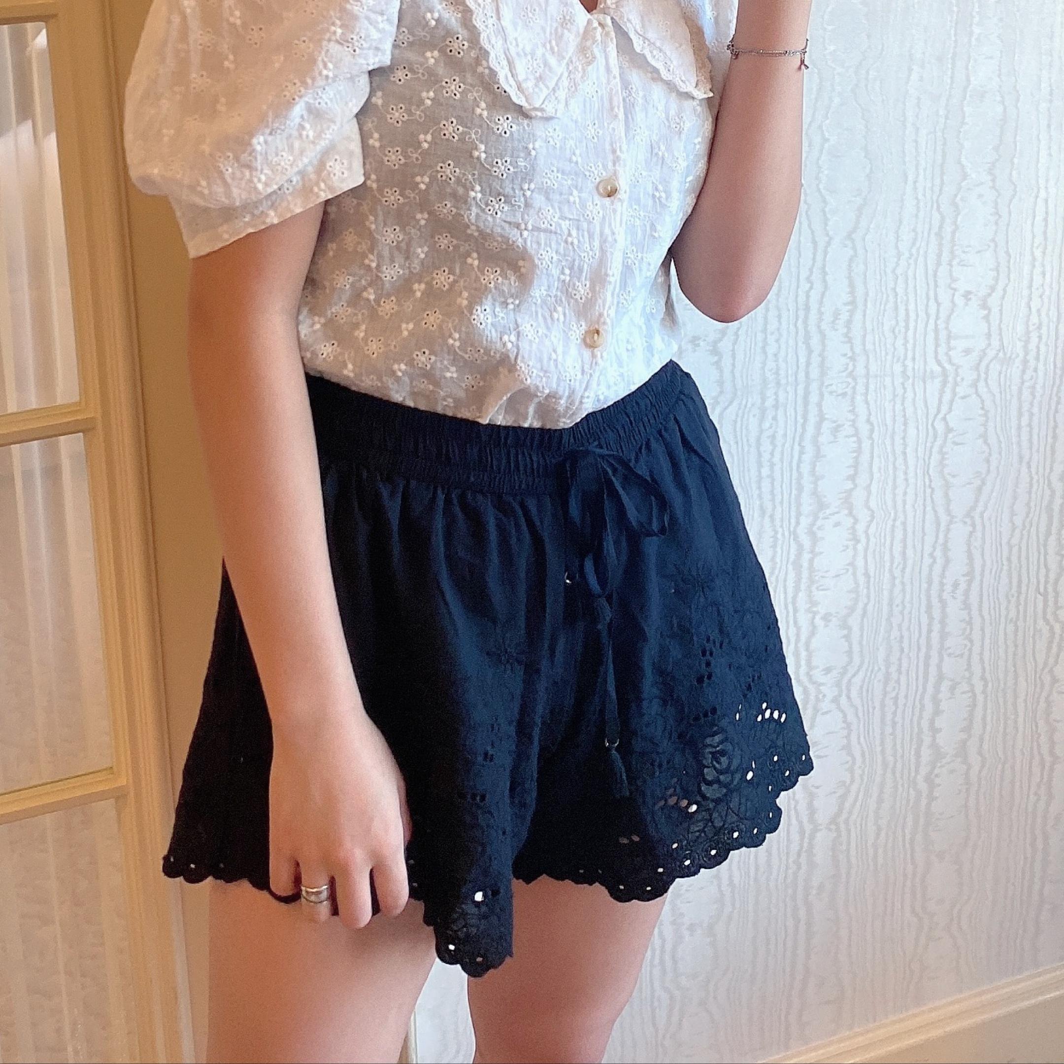 lace short pants