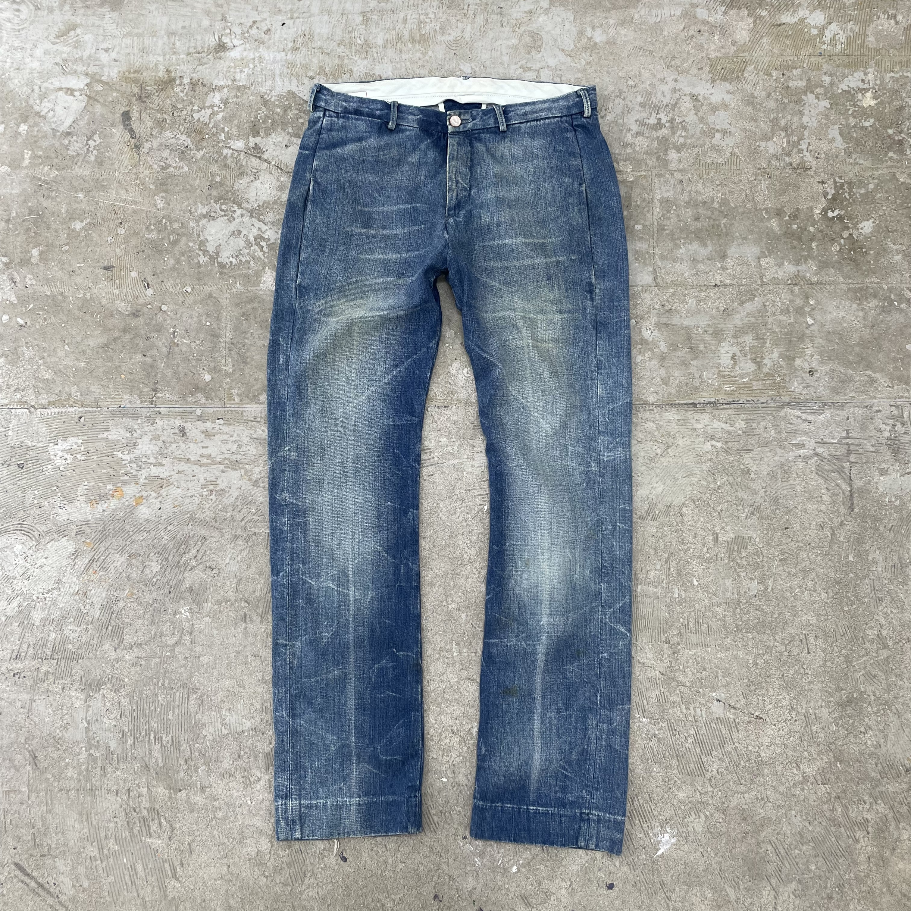 Levi's Red / Size W32×L32