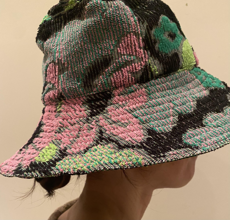 FUMIKA_UCHIDA  [FLORAL REVERSIBLE BUCKET HAT]