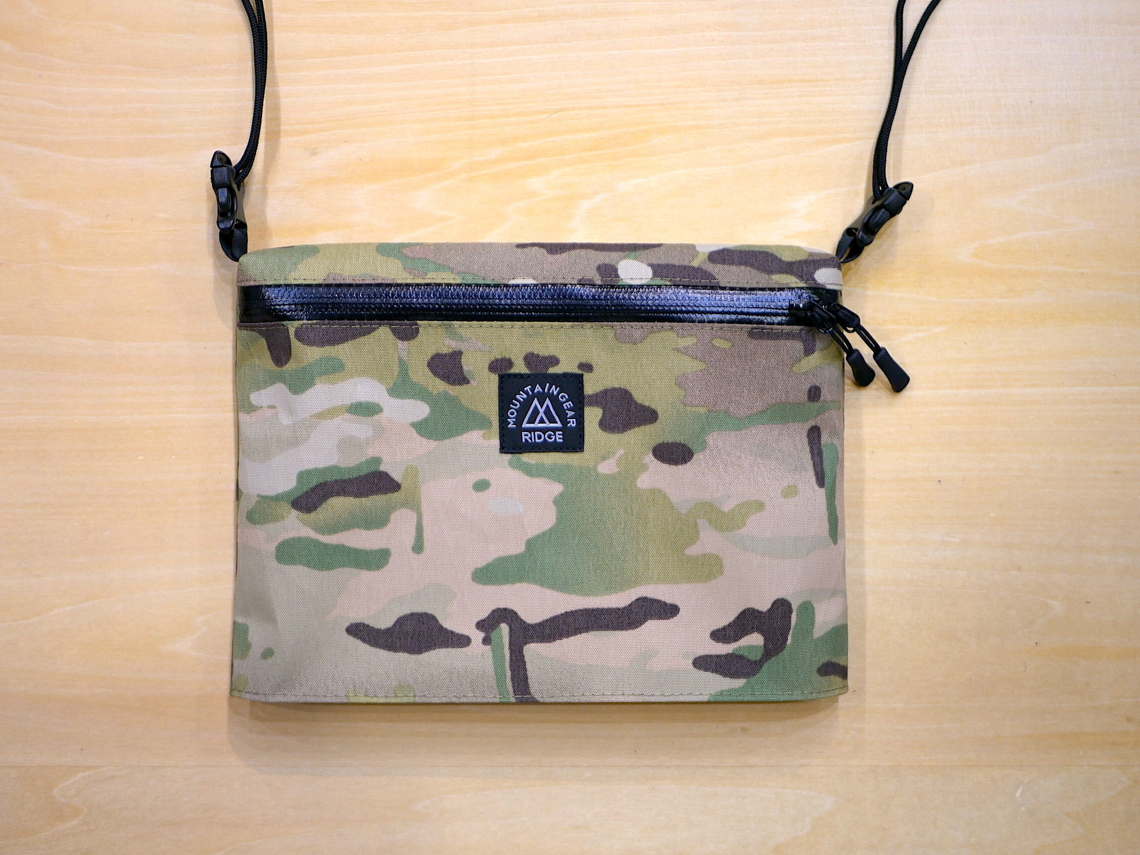RIDGE MOUNTAIN GEAR / SHOULDER PACK