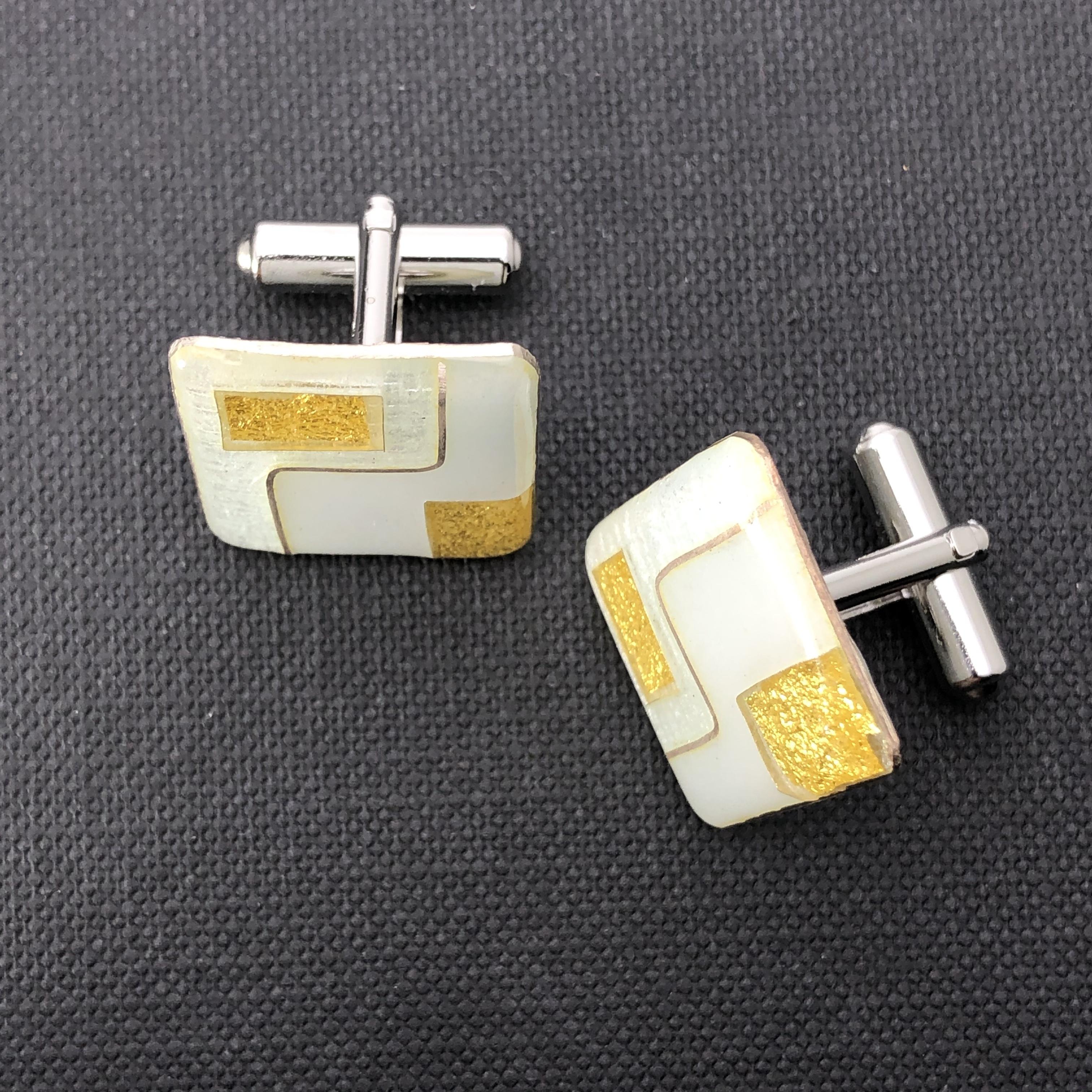 カフス 純銀銀彩  金箔スクエアデザイン 七宝装身具
