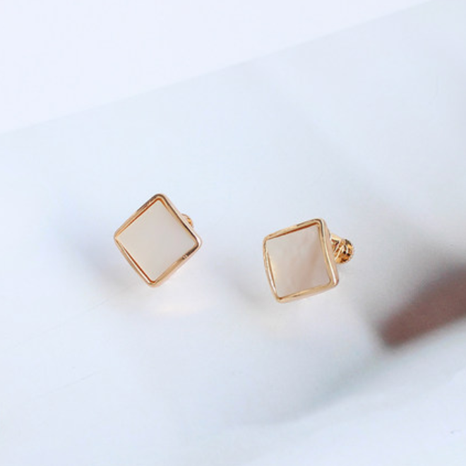 square shell pierce p021