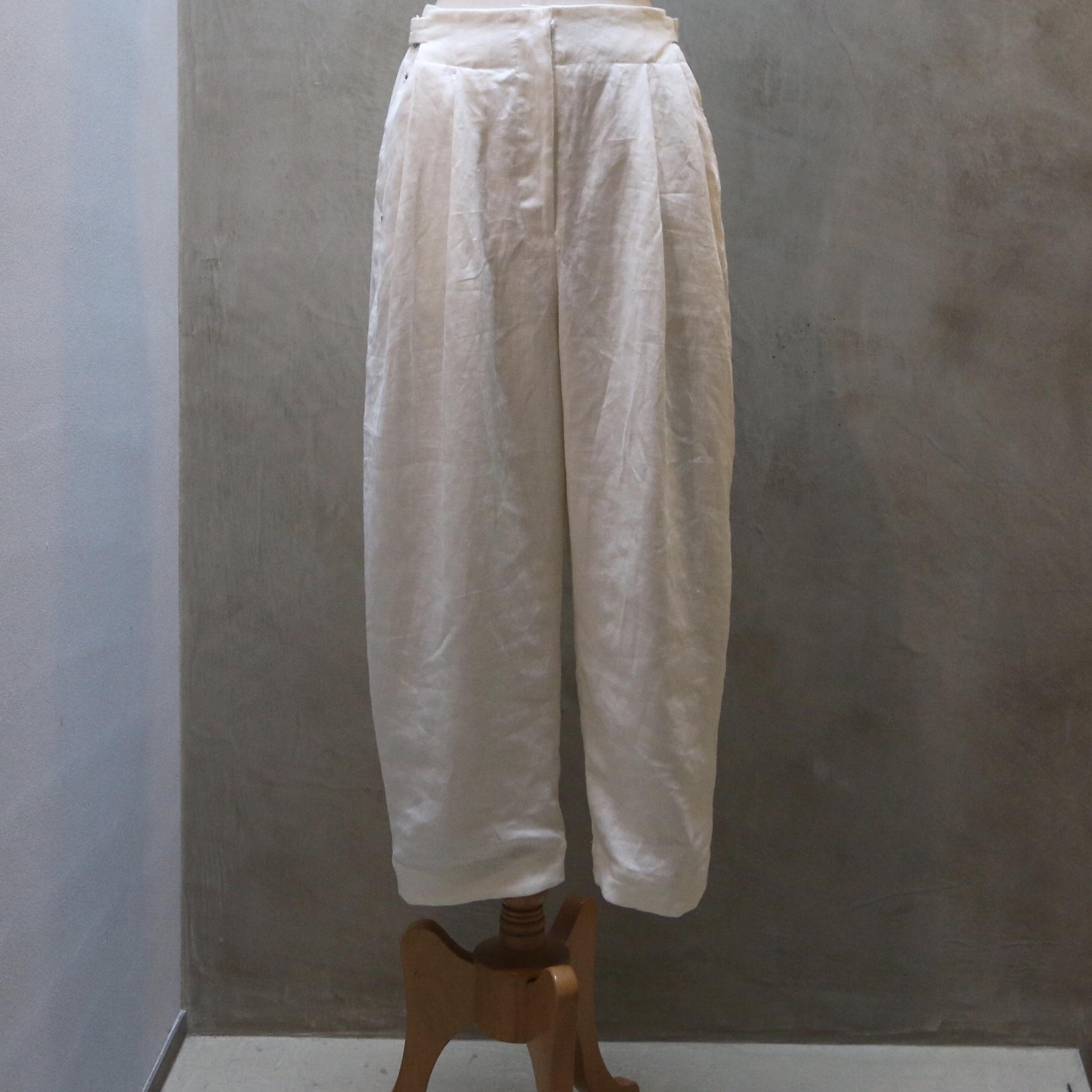 Suie(スィ)Volendam Tuck Pants フレンチリネン off white 【ご予約商品】