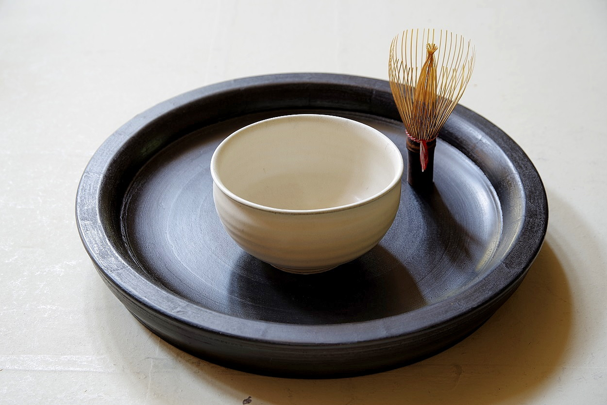 余宮隆 118.白い茶碗