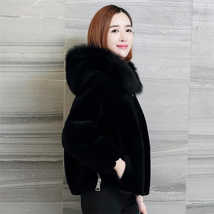 【ふわふわファーで暖か★】厚手フード付きファーショートコート ブラック