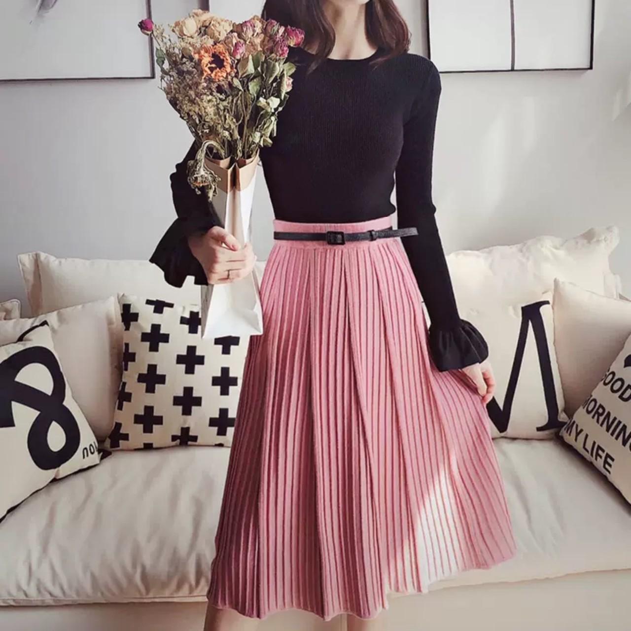 ピンクプリーツミモレ丈スカート