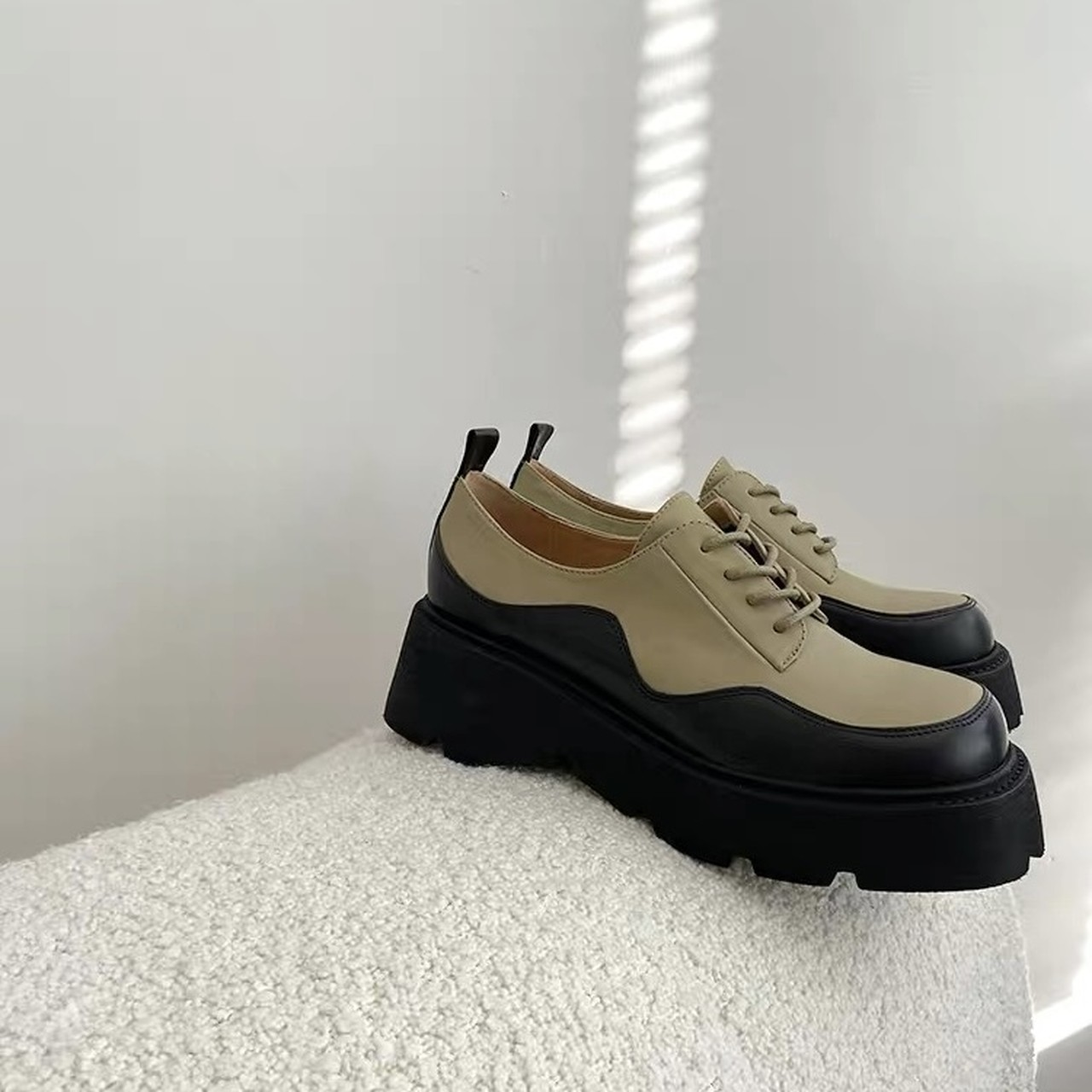 wave design loafer