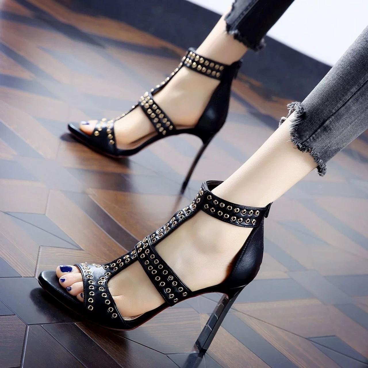 studs belt heel sandal