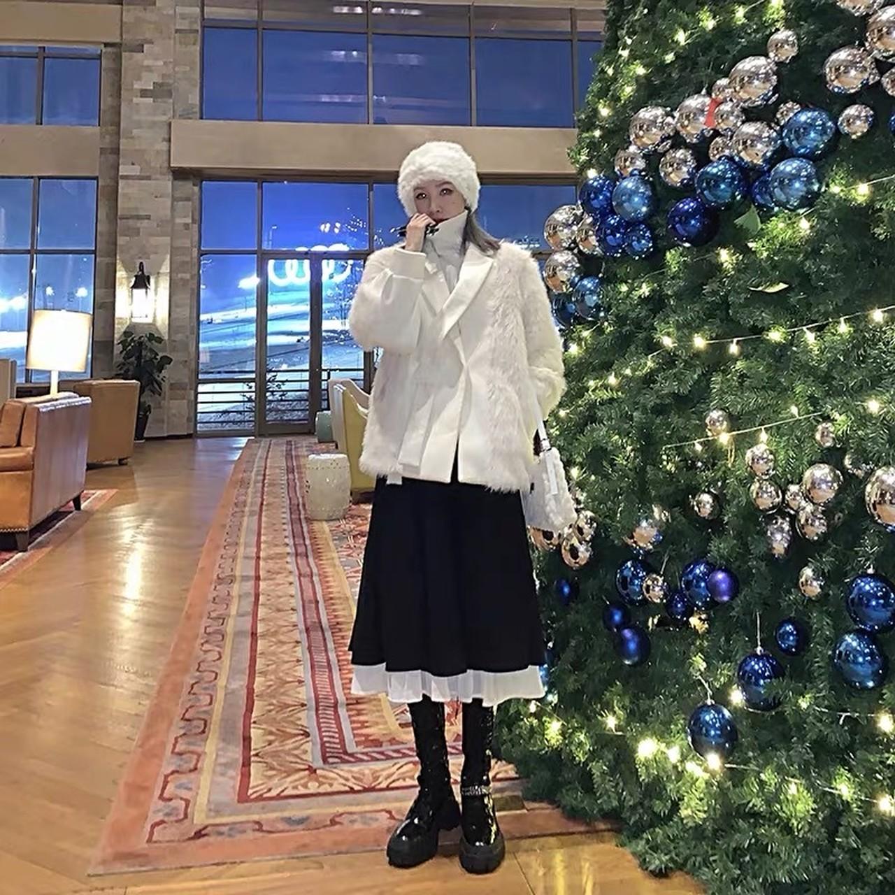 cross collar white jacket