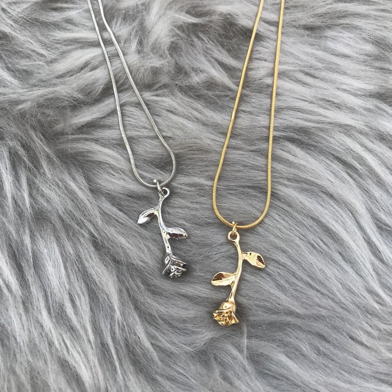 【Cat & Parfum】Rose Charm Necklace
