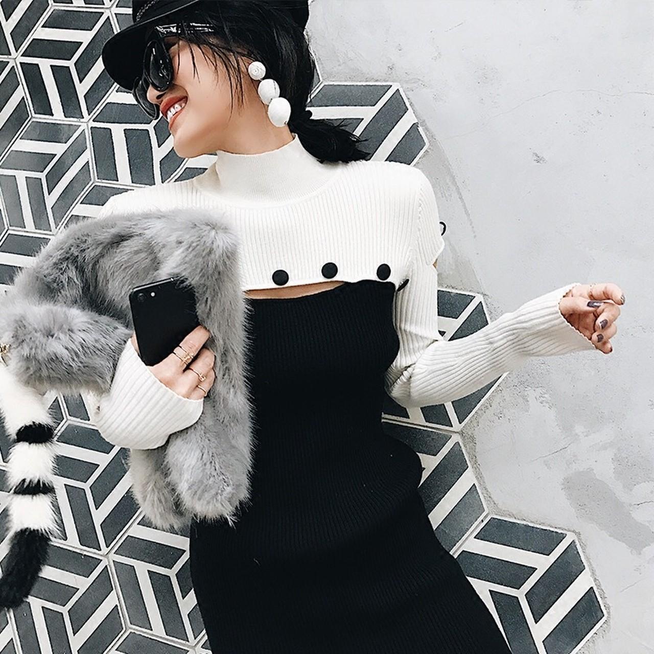 【即納】black white button knit.