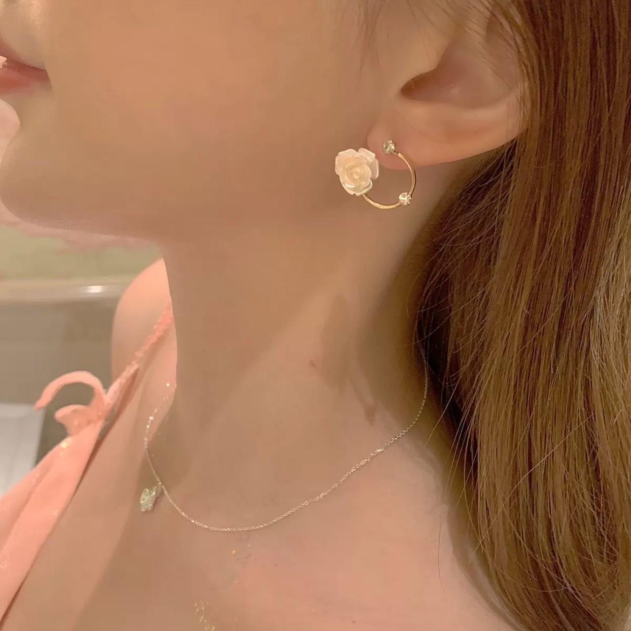 【1点のみ即納】rose hole earring