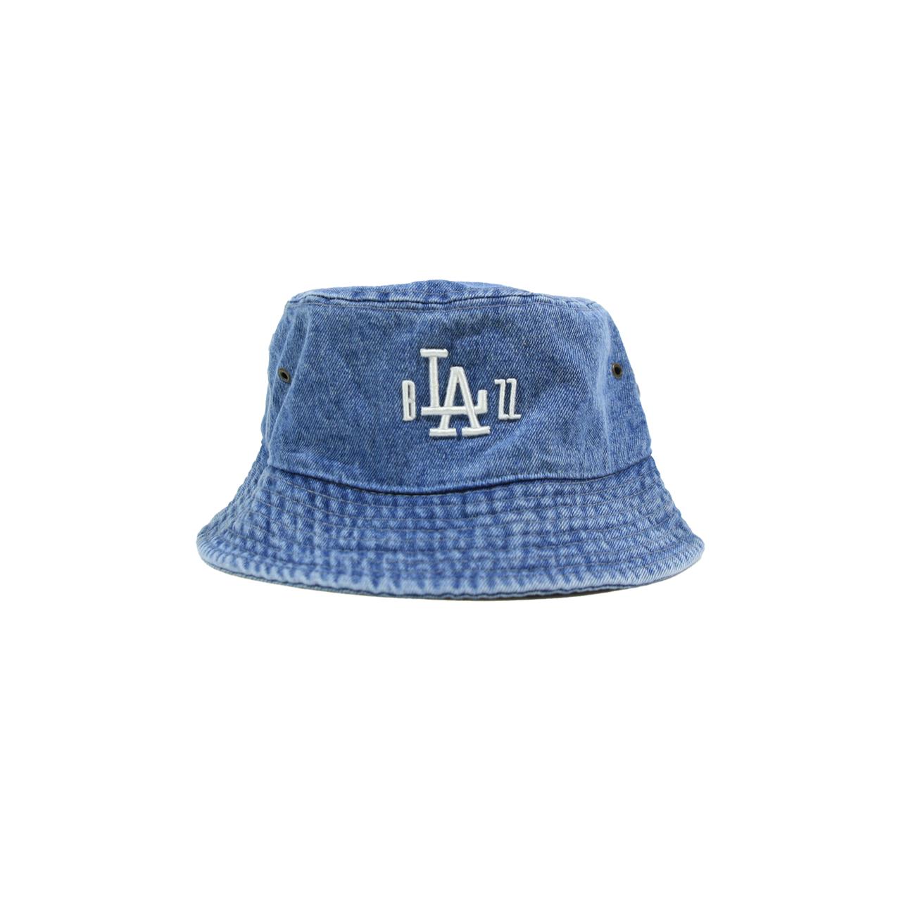 "b""LA""zz 3D DENIM BUCKET HAT [WASHED x WHITE]"