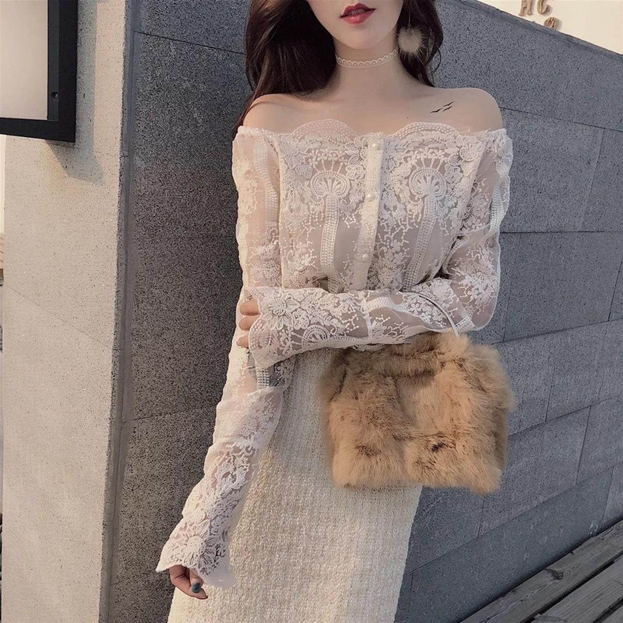【即納】off shoulder sexy blouse