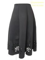お花柄型抜きフレアスカート  ブラック