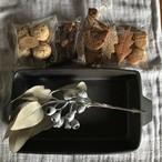 耐熱グラタン皿・黒+お菓子4種